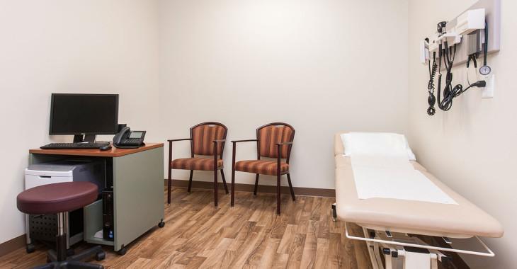 edmonton-seniors-clinic-04
